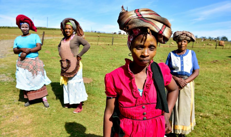 south african culture Learn more about the afrikaners, a south african ethnic group who are descended from 17th century dutch, german, and french settlers to south africa.