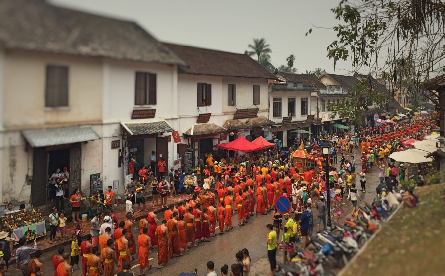 Included in the procession was hundreds of Novices and Monks.