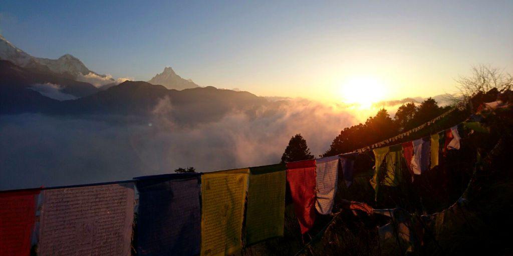 Explore the Annapurna trek in nepal when you volunteer