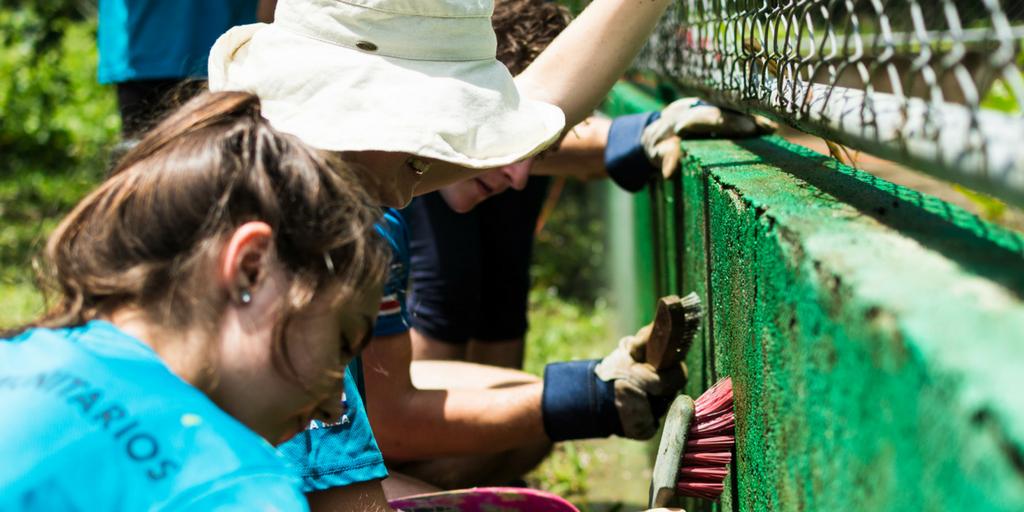 teen volunteers working abroad in Costa Rica | donate or volunteer