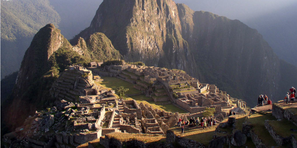 volunteer in peru and experience the magnificent Machu Picchu