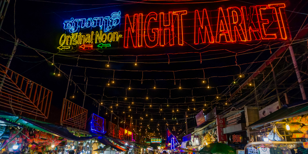 Visit the Siem Reap Night Market when you volunteer in Cambodia with GVI